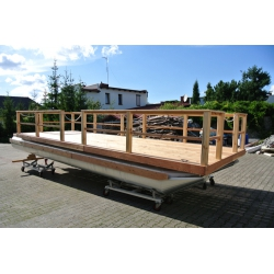 Pontónová hliníková loď / katamarán, drevená paluba - Shiptech 477